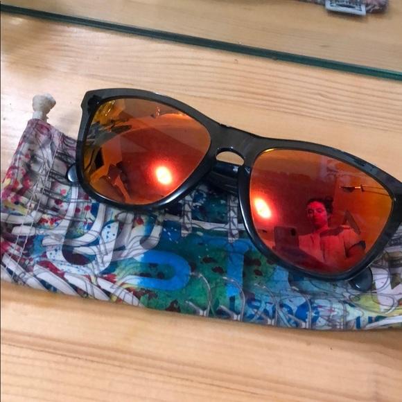 1a964231f99 ❤️POLARIZED❤ Custom Oakley Frogskins. M 5c4e60f39519961c421398bd